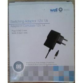 Adaptor in comutatie 12V 1A